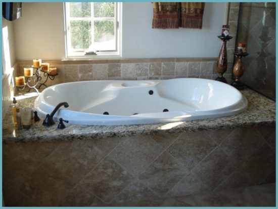 установка глухого экрана под ванну
