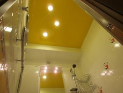 тканевый потолок в ванной