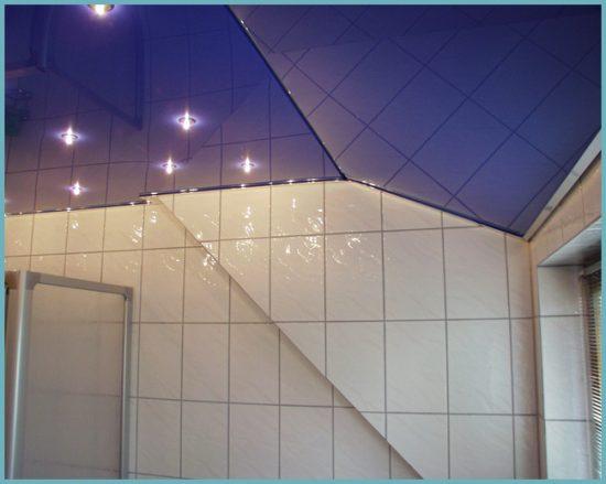 монтаж освещения под натяжным потолком