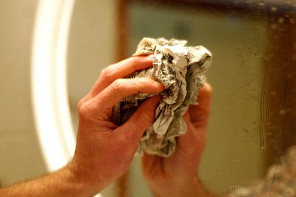 как помыть зеркало в ванной