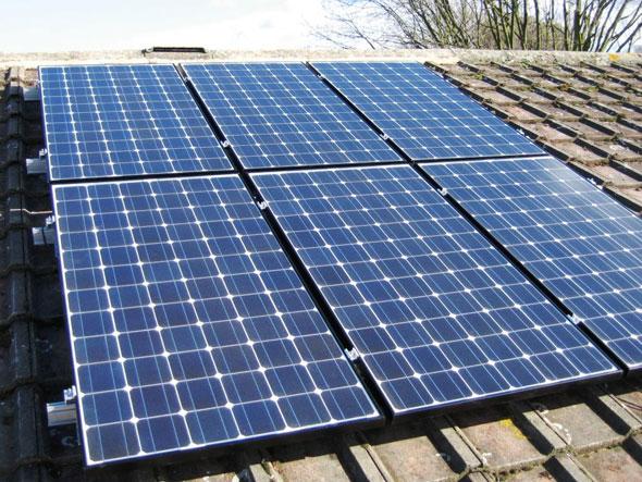 Солнечная батарея на даче