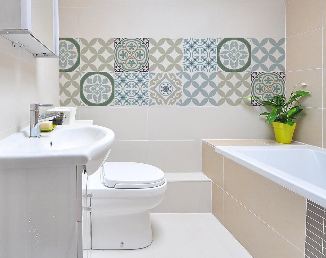 оформление стены в ванной