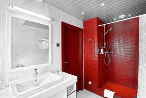 red-bathroom-design-decoration