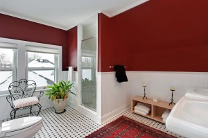 red-bathroom-designs4
