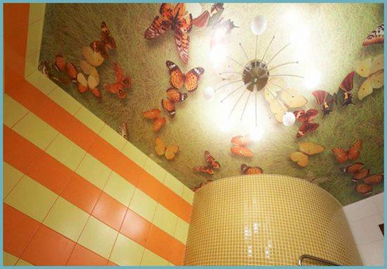 оригинальный потолок в ванной
