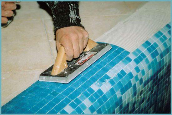 клей для укладки мозаики в ванной