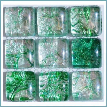 виды стеклянной мозаики для ванной