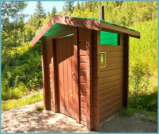 как строить туалет на даче