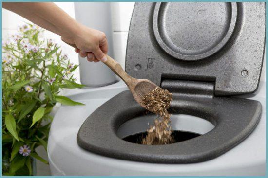 как пользоваться торфяным туалетом