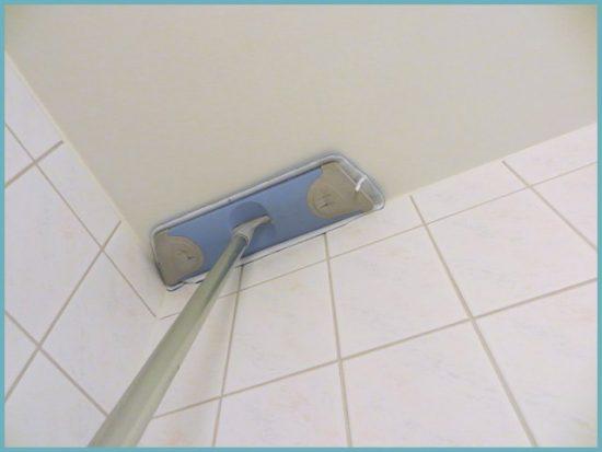 как чистить тканевый потолок