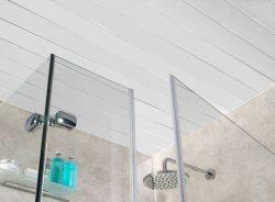 Потолок в ванной из пластиковых панелей
