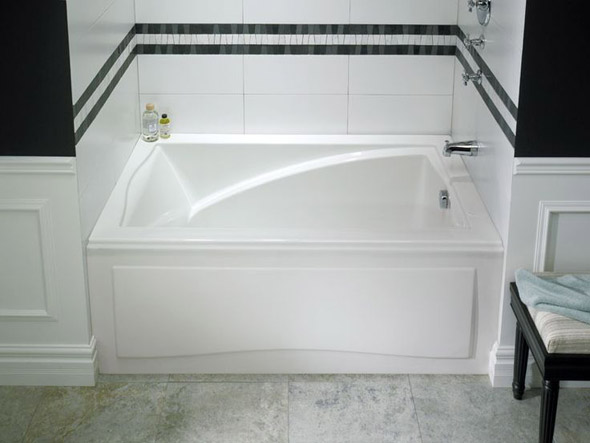 пластиковый экран под ванну