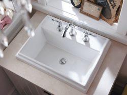 маленькая раковина в туалете