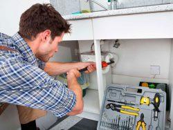 устранение засора в кухонной раковине