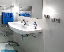 Как установить розетки в ванной комнате