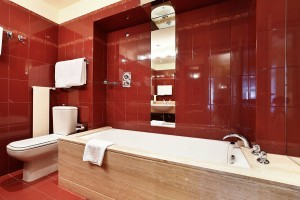 red-bathroom-designs