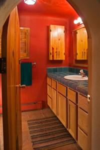 red-bathroom-designs2